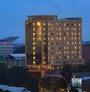 Best Western Plus Makassar Beach