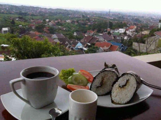 Dapoer Oma Cafe