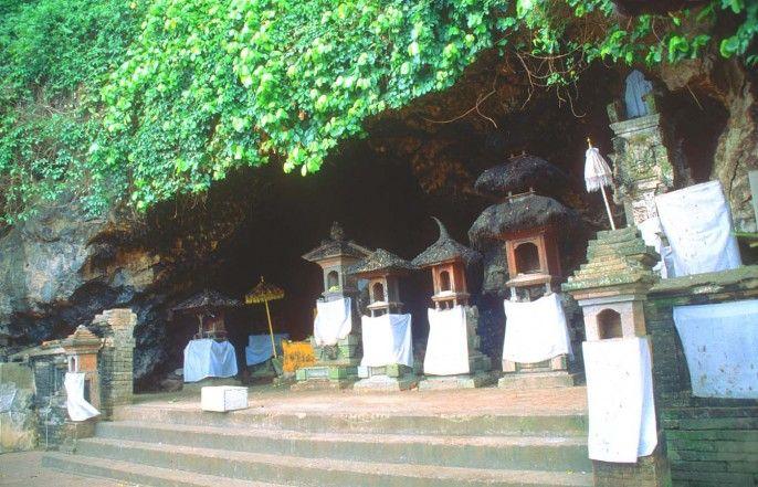 Pura Goa Lawah