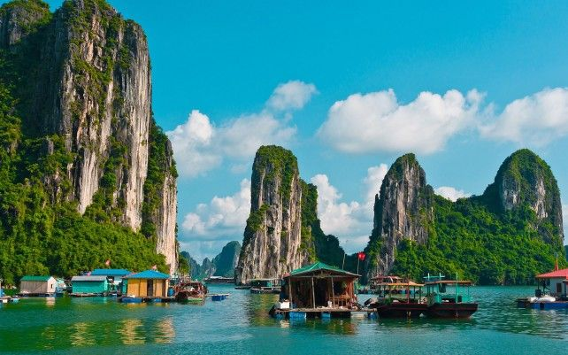 Full-day Boat Cruise at Halong Bay with Transfer Services