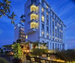 Jambuluwuk Malioboro Hotel