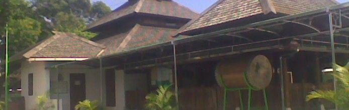 Makam & Masjid Kuno Taman
