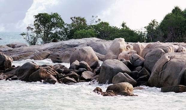 Pantai Gunung Namak