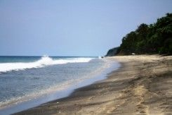 Pantai Calok