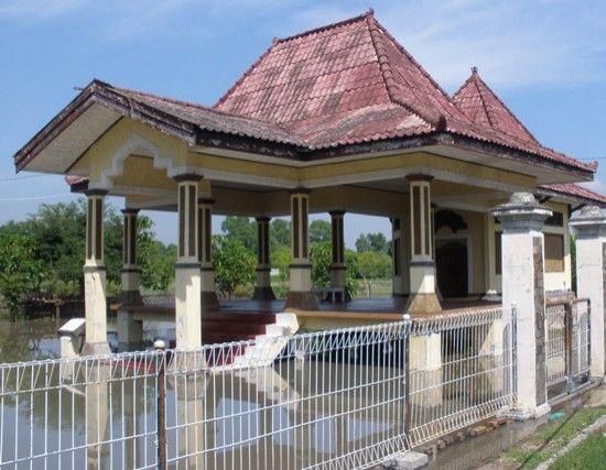 Makam Putri Dewi Sekardadu