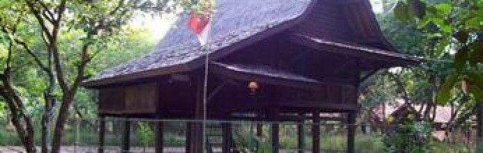 Saung Ranggon Traditional House