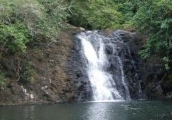 Air Terjun Nguralawo