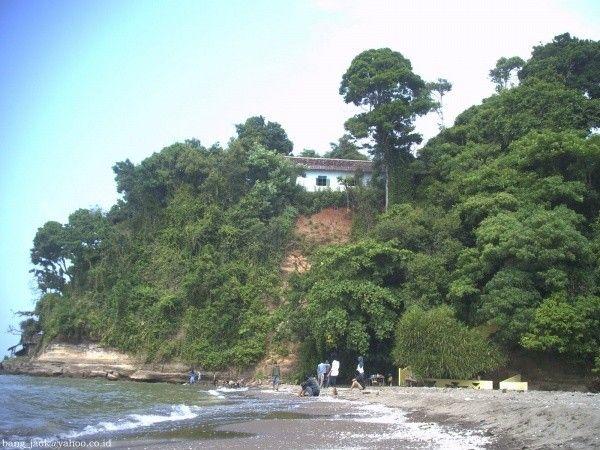 Pantai Ujung Negoro