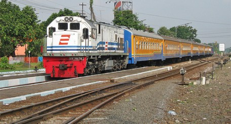 Tiket Kereta Api Sri Tanjung Jadwal Harga Promo Tiket Com